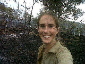 Bush fire threatens African Painted Dog den site on Thanda