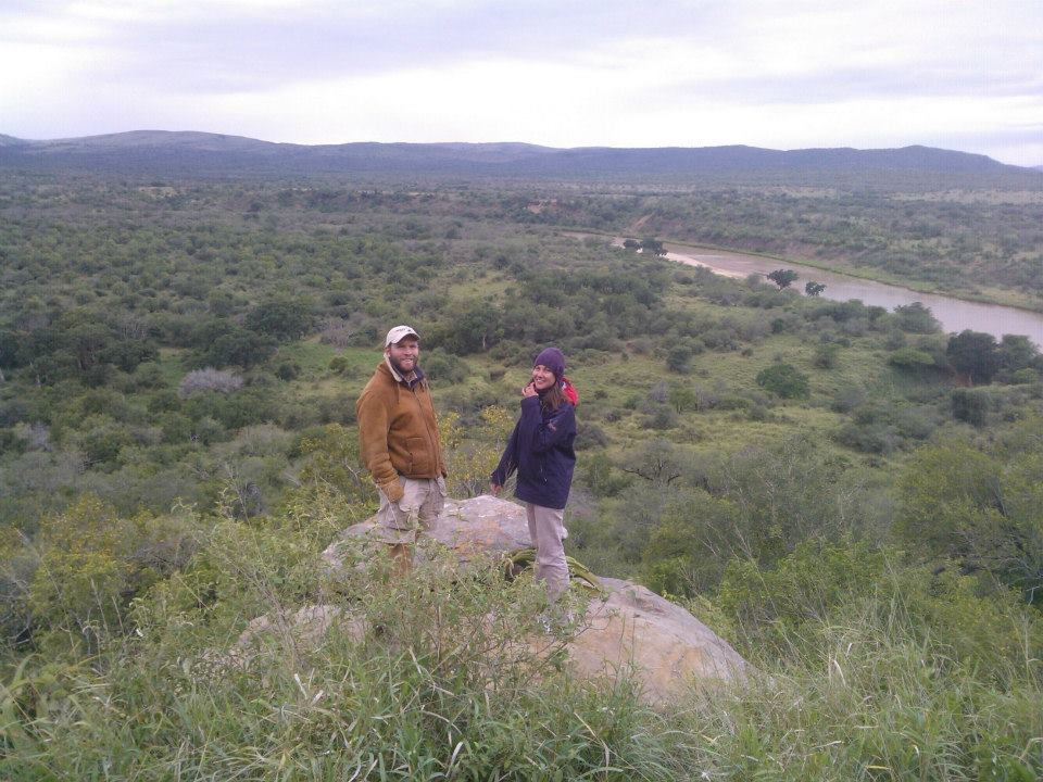 Wildlife monitor Antoine with volunteer Szandra at iMfolozi camp viewpoint
