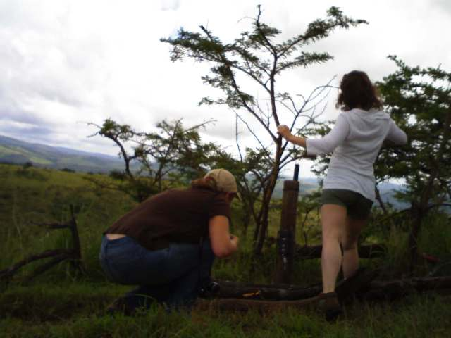 Conservation volunteer Katie and Ashley - Panthera Leopard Census