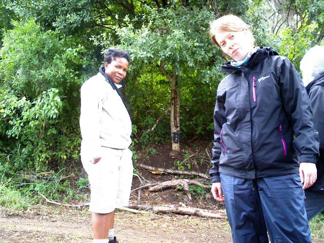 Conservation volunteer Marumo and Sibylle
